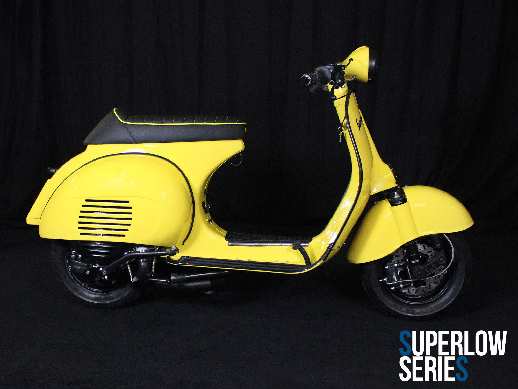 Custom Vespa Superlow Series Giallo