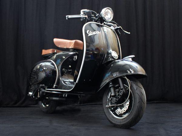 Custom Vespa 150 Struzzo