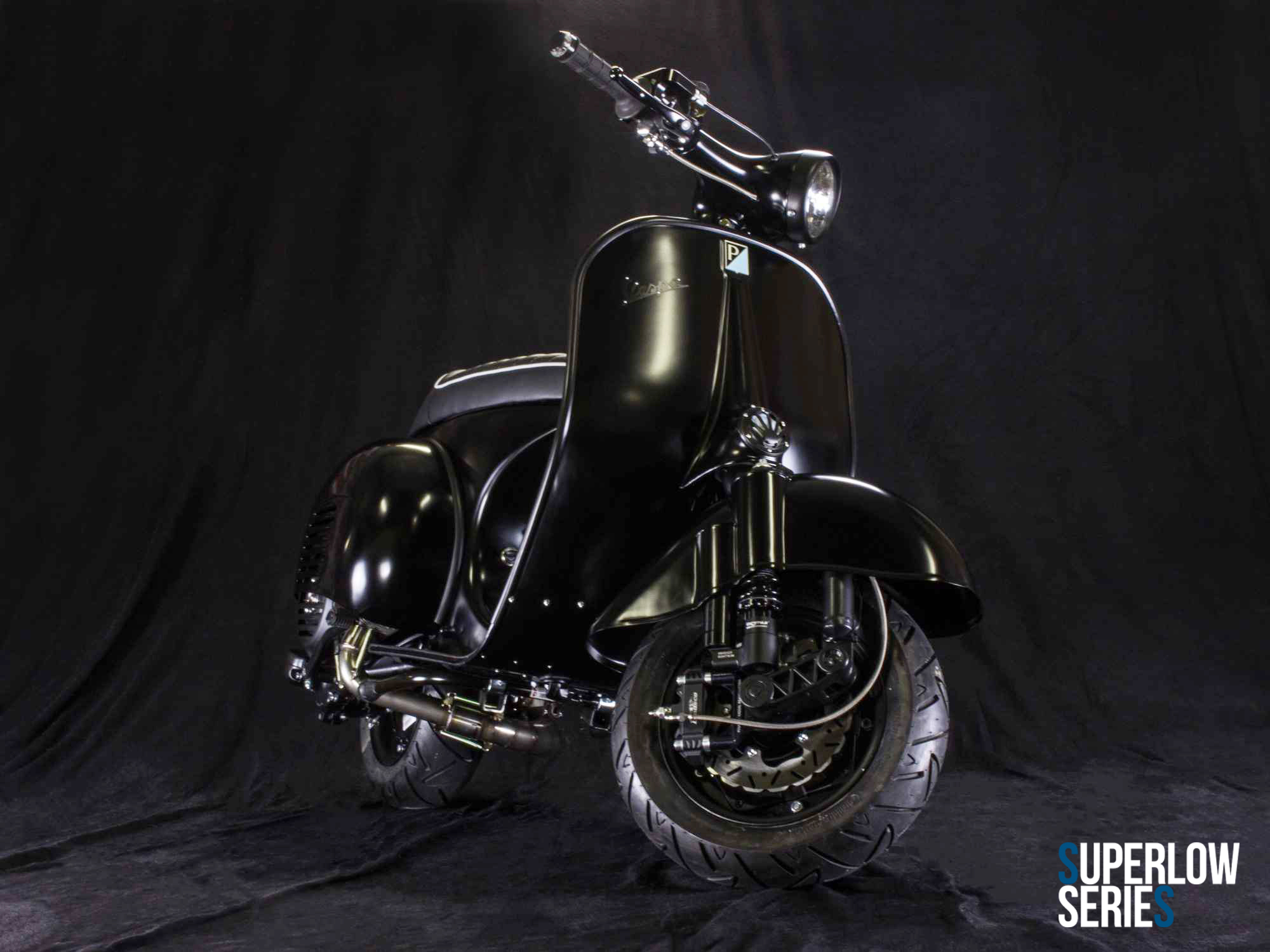 Custom Vespa Superlow Series matt schwarz