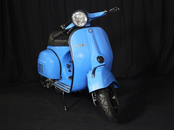 Custom Vespa Sprint 221 Superlow